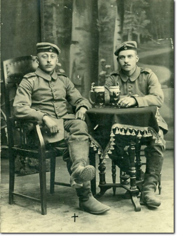 Hermann Süthold links, rechts Anton Scholtholt